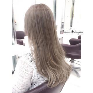 ホワイトアッシュ ロング ブリーチ ストリート ヘアスタイルや髪型の写真・画像