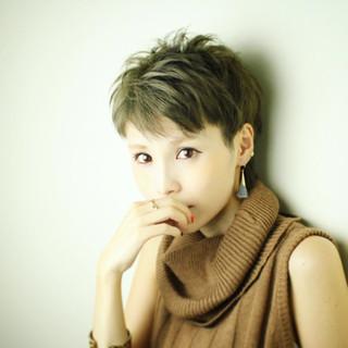 外国人風 暗髪 こなれ感 ナチュラル ヘアスタイルや髪型の写真・画像