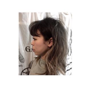 外国人風 グラデーションカラー アッシュ ゆるふわ ヘアスタイルや髪型の写真・画像