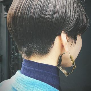 刈り上げ女子 抜け感 刈り上げ 黒髪 ヘアスタイルや髪型の写真・画像