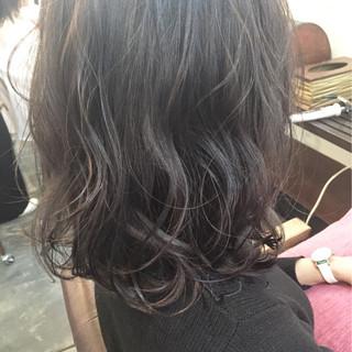 ゆるふわ ミディアム フェミニン 暗髪 ヘアスタイルや髪型の写真・画像 ヘアスタイルや髪型の写真・画像