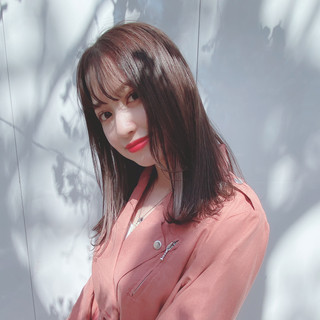 インナーカラー サロンモデル ストレート フェミニン ヘアスタイルや髪型の写真・画像