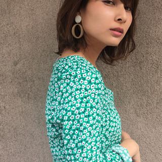 デート オフィス ミディアム 女子力 ヘアスタイルや髪型の写真・画像