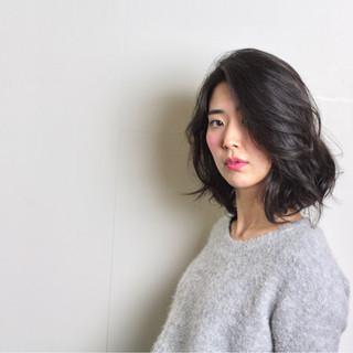 かっこいい 大人女子 色気 黒髪 ヘアスタイルや髪型の写真・画像