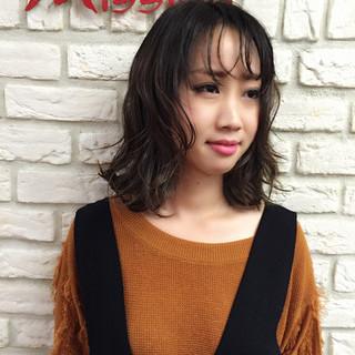 色気 ストリート イルミナカラー 外国人風 ヘアスタイルや髪型の写真・画像