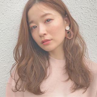 ゆるふわ セミロング 透明感 フェミニン ヘアスタイルや髪型の写真・画像