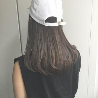 外国人風カラー 暗髪 セミロング ストリート ヘアスタイルや髪型の写真・画像