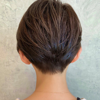 簡単スタイリング ショートヘア ミルクティーグレージュ ショートボブ ヘアスタイルや髪型の写真・画像 | BUMP 銀座 川島 工 / BUMP 銀座
