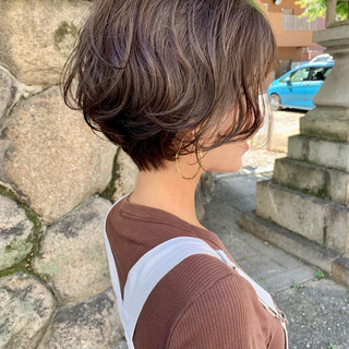 ショート マッシュショート ショートパーマ 前下がりショート ヘアスタイルや髪型の写真・画像