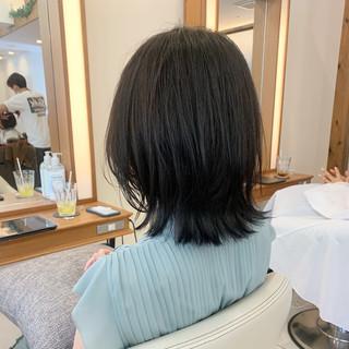 外ハネボブ ミディアム レイヤーボブ ミディアムレイヤー ヘアスタイルや髪型の写真・画像