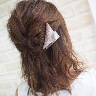 色気 ショート ゆるふわ 簡単ヘアアレンジ ヘアスタイルや髪型の写真・画像 ヘアスタイルや髪型の写真・画像