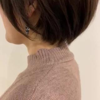 フェミニン ショート 大人可愛い 簡単スタイリング ヘアスタイルや髪型の写真・画像