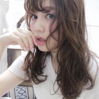 ガーリー フェミニン セミロング 外国人風 ヘアスタイルや髪型の写真・画像