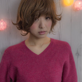小顔 ナチュラル 外ハネ 大人女子 ヘアスタイルや髪型の写真・画像