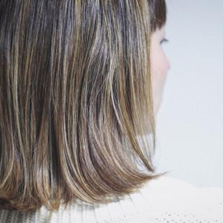 ハイライト 大人ハイライト ナチュラル グレージュ ヘアスタイルや髪型の写真・画像