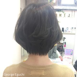 外国人風 黒髪 暗髪 アッシュ ヘアスタイルや髪型の写真・画像
