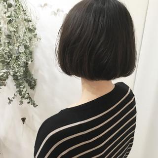 オフィス アッシュ オリーブアッシュ 色気 ヘアスタイルや髪型の写真・画像