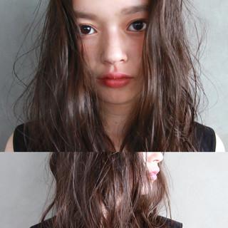 ウェーブ ミディアム パーマ 暗髪 ヘアスタイルや髪型の写真・画像