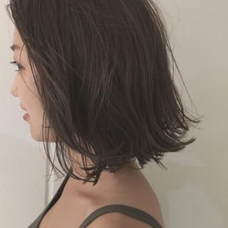 ミディアム アッシュ ロブ 暗髪 ヘアスタイルや髪型の写真・画像