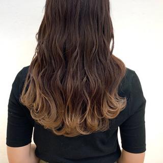 ロング アンニュイほつれヘア デート ナチュラル ヘアスタイルや髪型の写真・画像
