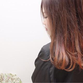 インナーカラー 秋 冬 ストリート ヘアスタイルや髪型の写真・画像