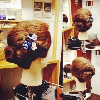 アップスタイル セミロング ガーリー ヘアアレンジ ヘアスタイルや髪型の写真・画像
