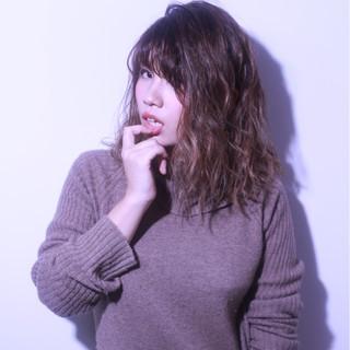 ブラウン かっこいい グラデーションカラー 外国人風 ヘアスタイルや髪型の写真・画像