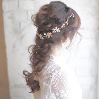 6月の花嫁さんへ。準備は万端?ブライダルネイルとヘアアレンジで幸せな1日を彩って。