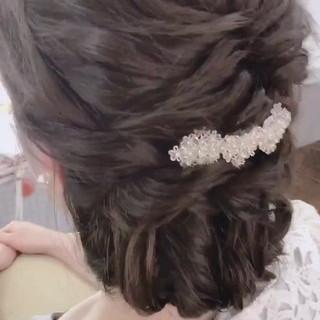 ナチュラル バレッタ ヘアアレンジ 結婚式 ヘアスタイルや髪型の写真・画像