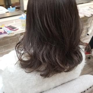 ナチュラル セミロング ゆるふわ アンニュイ ヘアスタイルや髪型の写真・画像