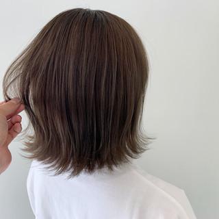 ボブ 簡単ヘアアレンジ 外ハネボブ 切りっぱなしボブ ヘアスタイルや髪型の写真・画像
