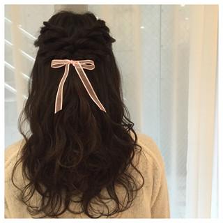 ヘアアレンジ 外国人風 フェミニン ロング ヘアスタイルや髪型の写真・画像 ヘアスタイルや髪型の写真・画像