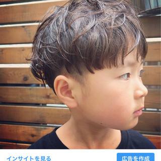 ショート ボーイッシュ 子供 アウトドア ヘアスタイルや髪型の写真・画像