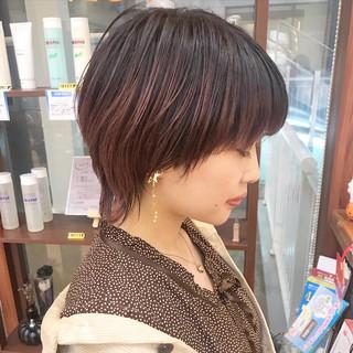 ウルフカット ショート コンサバ 横顔美人 ヘアスタイルや髪型の写真・画像