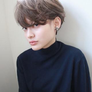 ウェーブ ナチュラル ブリーチ ショート ヘアスタイルや髪型の写真・画像