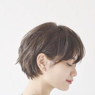 オフィス 黒髪 モード 大人かわいい ヘアスタイルや髪型の写真・画像 ヘアスタイルや髪型の写真・画像