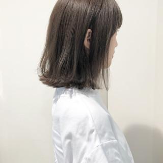 ヘアアレンジ ナチュラル グレージュ 外ハネ ヘアスタイルや髪型の写真・画像