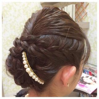 パールアクセ 編み込み セミロング 上品 ヘアスタイルや髪型の写真・画像 ヘアスタイルや髪型の写真・画像