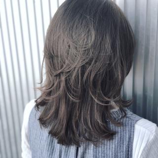 前髪あり ウェーブ 透明感 ミディアム ヘアスタイルや髪型の写真・画像