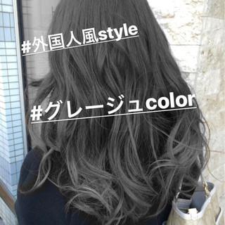 外国人風カラー ナチュラル グレージュ ロング ヘアスタイルや髪型の写真・画像