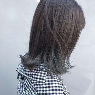 ターコイズブルー ミディアム ナチュラル アンニュイほつれヘア ヘアスタイルや髪型の写真・画像