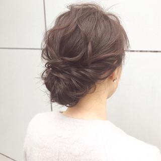 ミディアム 簡単ヘアアレンジ ヘアアレンジ ナチュラル ヘアスタイルや髪型の写真・画像