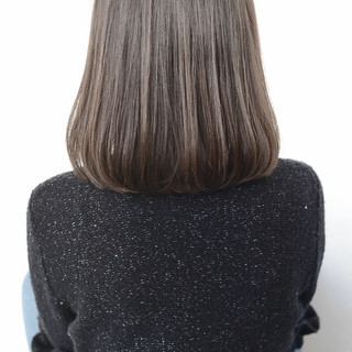 アッシュ ストレート ナチュラル 透明感 ヘアスタイルや髪型の写真・画像