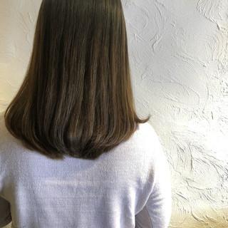 デート アッシュグレージュ ヘアカラー 透明感カラー ヘアスタイルや髪型の写真・画像