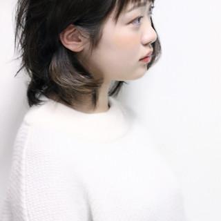 外国人風 アッシュ 外ハネ 前髪あり ヘアスタイルや髪型の写真・画像
