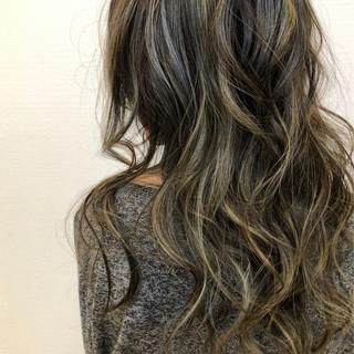 透明感カラー 西海岸風 バレイヤージュ ストリート ヘアスタイルや髪型の写真・画像
