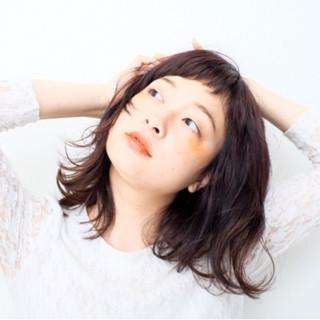 外国人風 暗髪 ミディアム ナチュラル ヘアスタイルや髪型の写真・画像