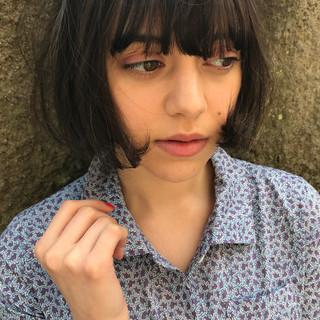 色気 ボブ 透明感 リラックス ヘアスタイルや髪型の写真・画像 ヘアスタイルや髪型の写真・画像