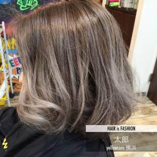 外国人風 バレイヤージュ ブリーチ グレージュ ヘアスタイルや髪型の写真・画像