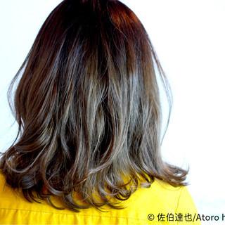 ミディアム 外国人風 ストリート ダブルカラー ヘアスタイルや髪型の写真・画像